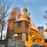 Kościół w jesiennych barwach