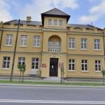 """Modernizacja budynku komunalnego """"starej szkoły"""" oraz przylegającego placu manewrowego w Słomnikach"""