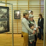 Zakup ścianek wystawienniczych i zorganizowanie wystawy fotografii - Ślady skalskich pokoleń, miejsc i wydarzeń