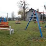 Strefa rekreacji w postaci placu zabaw w miejscowości Miłocice Gmina Słomniki