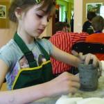 Warsztaty garncarskie, kultywowanie tradycyjnych zawodów i rzemiosła